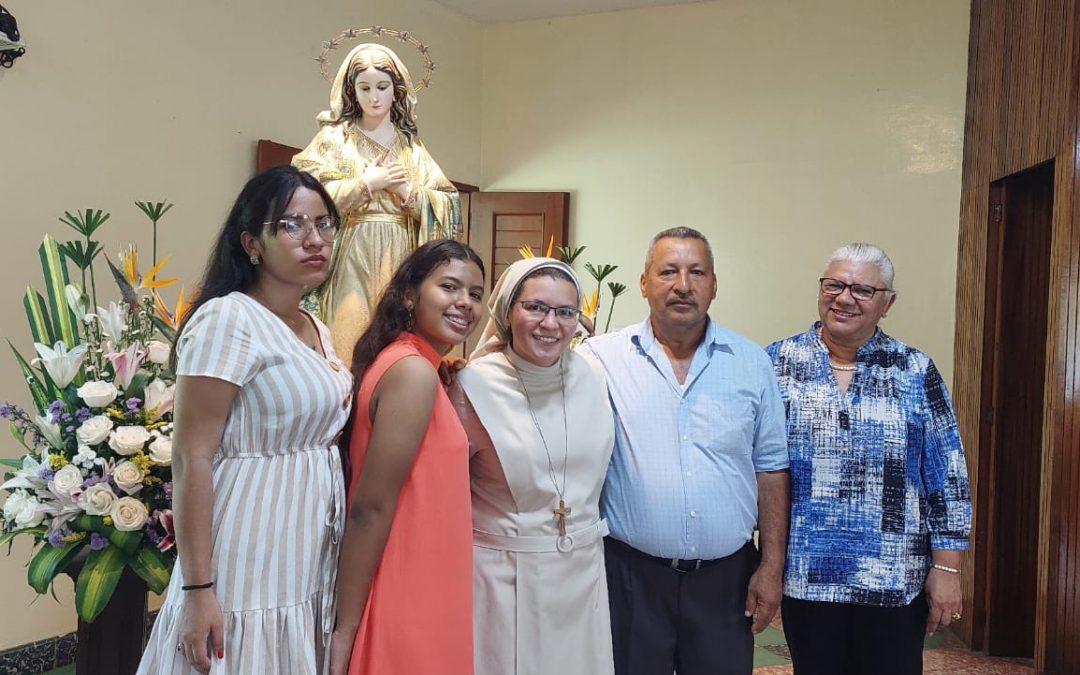 Yara García celebra su profesión perpetua